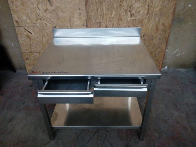 Banco in acciaio con cassetti e alzatina