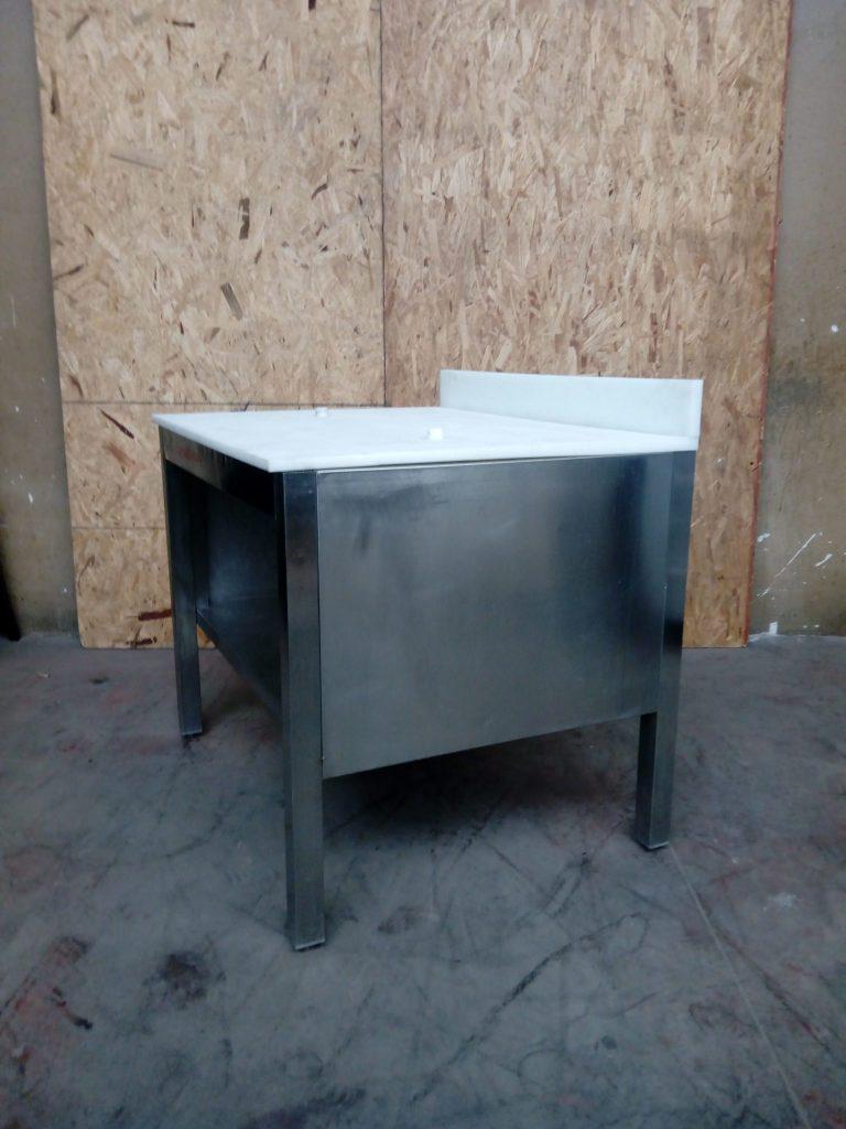 Tavolo in acciaio e teflon