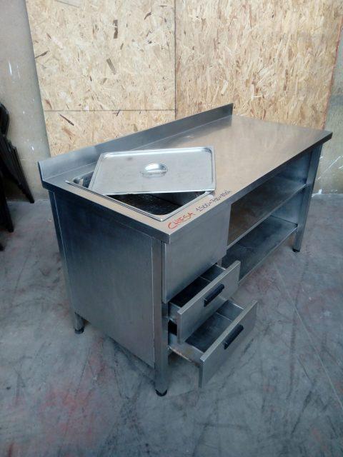 Tavolo usato in acciaio