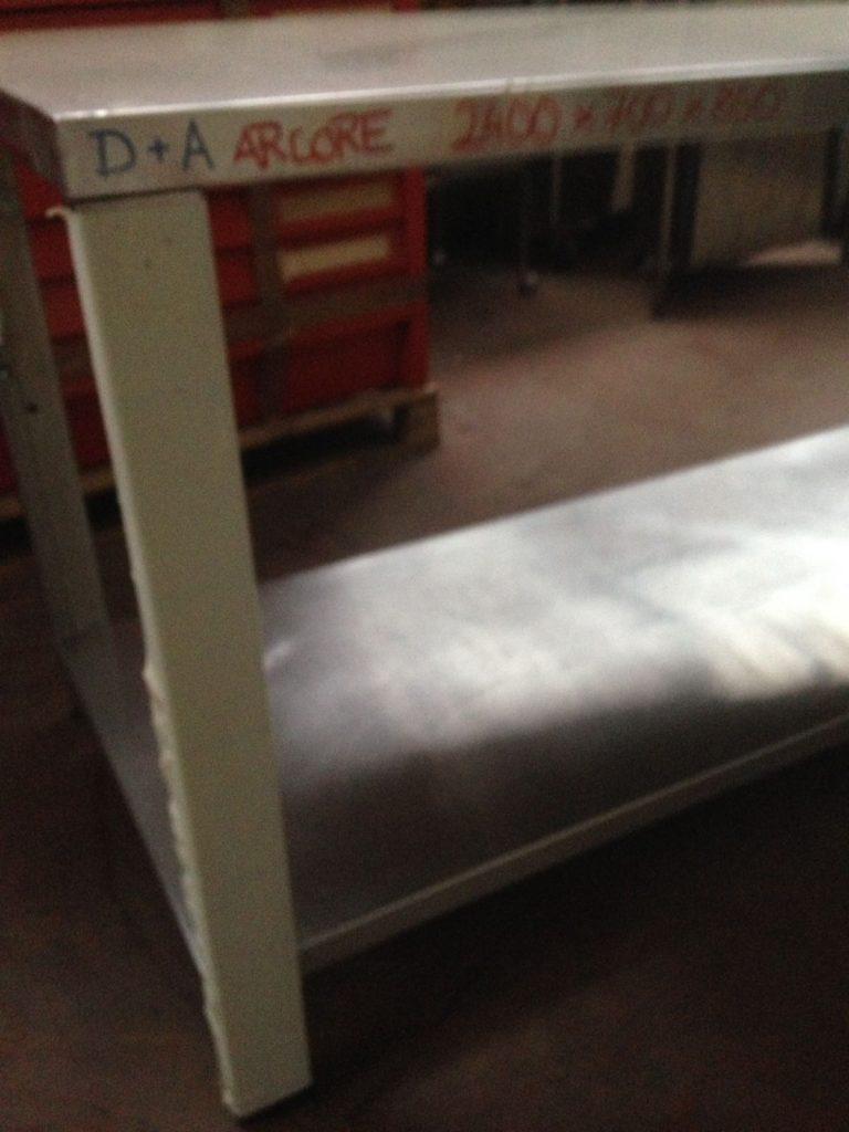 Tavolo in acciao usato