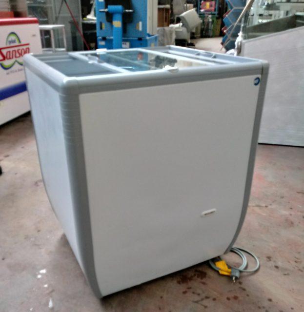 Congelatore a pozzetto 2