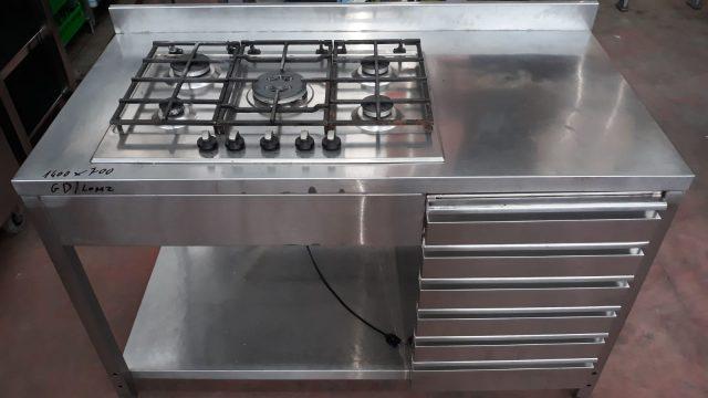 Tavolo in acciaio con cassetti