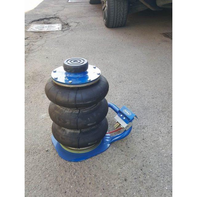 Cric sollevatori pneumatici