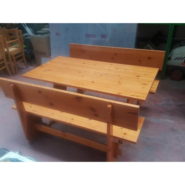 Tavoli usato con panche in massello usati