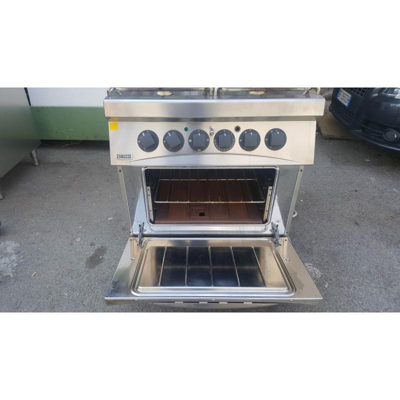 Cucina agas 4 fuochi con forno elettrico usata