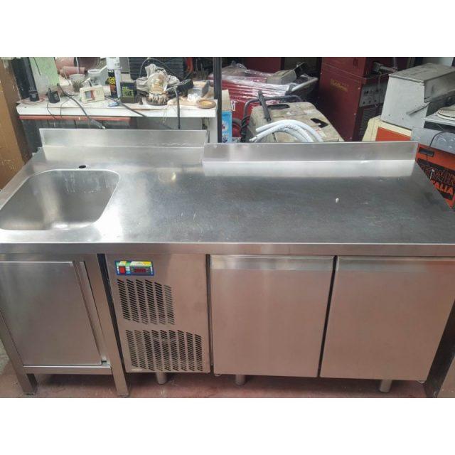 Banco frigo con lavello